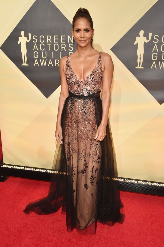 black tulle dress halle berry SAG awards 2018